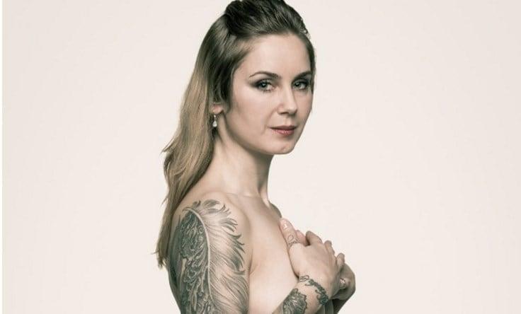 Βγαίνω με ένα κορίτσι με τατουάζ