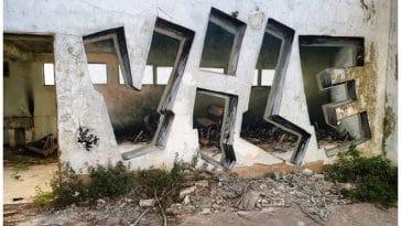 Αυτός ο graffiti artist κάνει τους τοίχους να φαίνονται διαφανείς χρησιμοποιώντας μόνο σπρέι